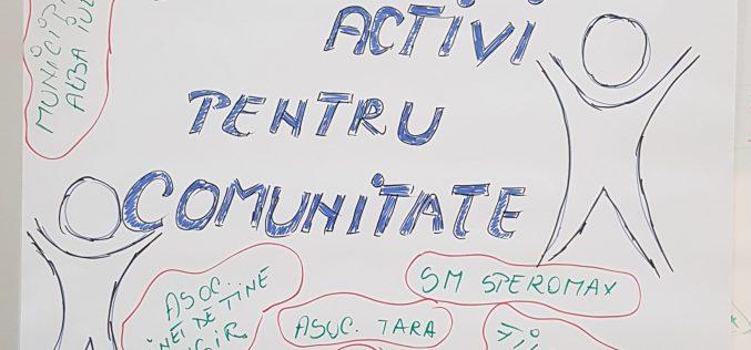"""Tineri activi pentru comunitate"""